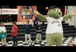Astros mascot leads pep rally for reading at HISD schools