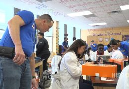 HISD recibe donativos de Best Buy