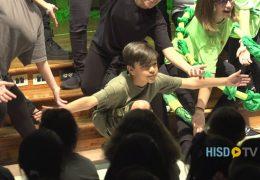 Alumno de Lyons con dislexia tiene exito en el teatro y las artes