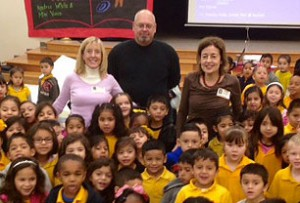 Mimi Vance (pink sweater) and former Houston First Lady Andrea White (burgundy sweater) visited Crockett ES on Dec. 2